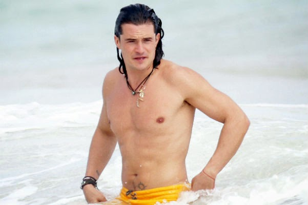 Paparazzi: Orlando Bloom on vacation in Mexico with an unknown blonde