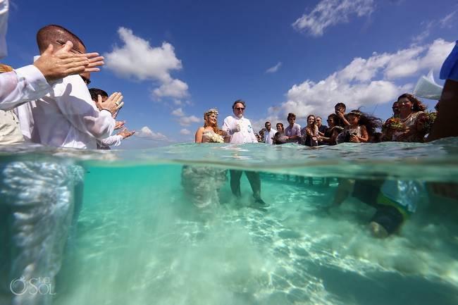 incrivel casamento realizado no mar no caribe 18 - Um casamento no meio do mar. Diferente de tudo que você já viu.