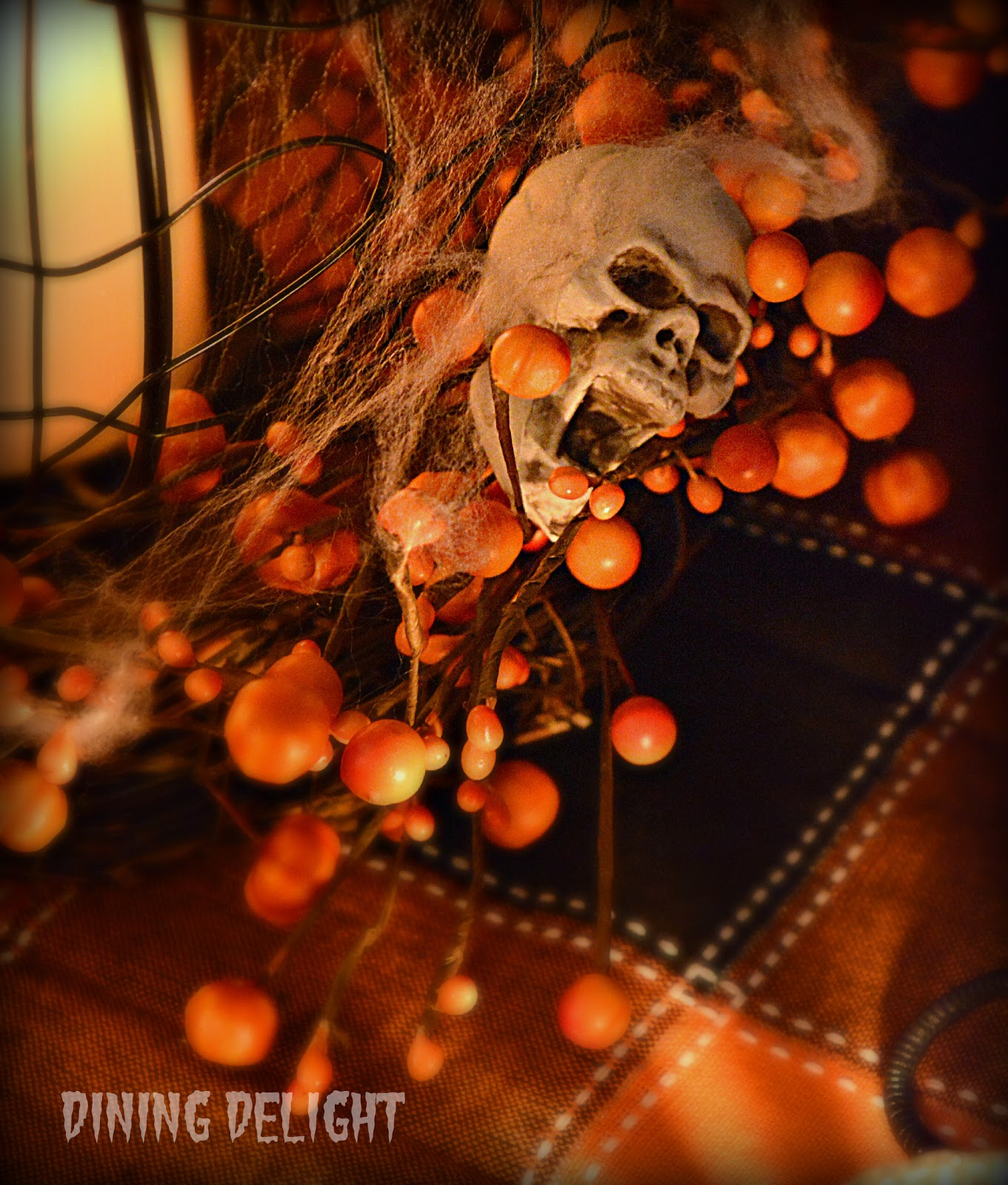 Very Scary Halloween Decorations: Dining Delight: A Very Scary Halloween Tablescape