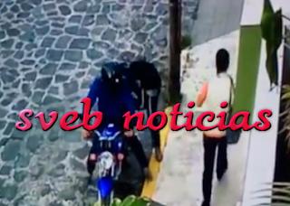 VIDEO Moto-ratones asaltan a mujer en Los Berrros de Xalapa Veracruz