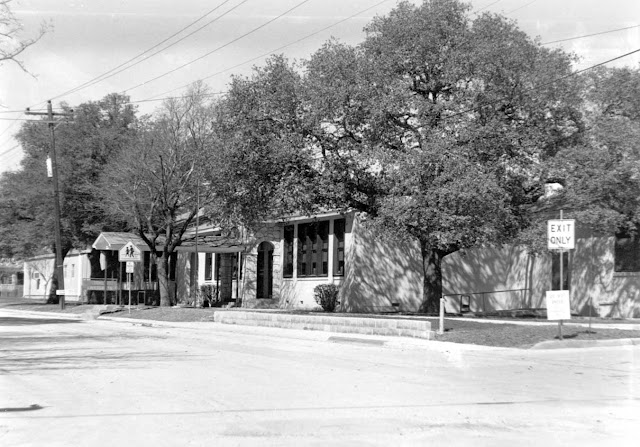 The Doyle School, Kerrville, as it appeared in the 1990s