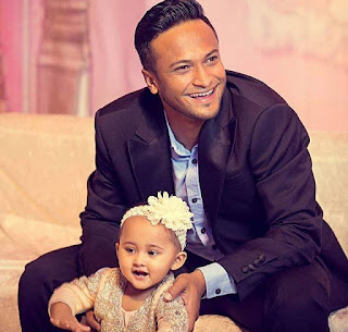 Shakib Al Hasan With His Wife Daughter Alayna Hasan Aubrey