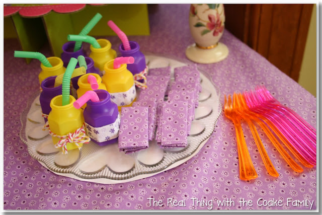 American Girl Party Doll Accessories - Tutorial on how to make doll sized napkins as well as other ideas for doll accessories. #AGDoll #Birthday #Party #AmericanGirlDoll