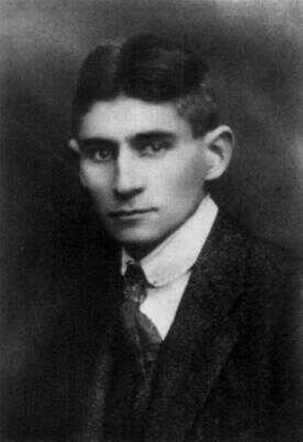 Franz Kafka, Vor dem Gesetz, Tales of mystery, Relatos de terror, Horror stories, Short stories, Science fiction stories, Italo Calvino, Leggenda di Carlomagno, Anthology of horror, Antología de terror, Anthology of mystery, Antología de misterio, Scary stories, Scary Tales, Science Fiction Short Stories, Historias de ciencia ficcion