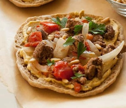 LAMB AND HUMMUS PITA PIZZAS RECIPES