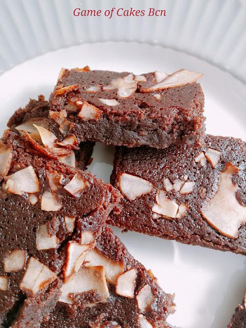 Brownie de coco sin gluten sin lacteos, con harina de coco, Game of Cakes Bcn
