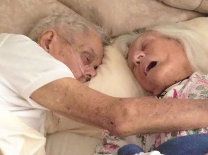 36 People's Heart-Breaking Last Wishes - After 75 Years Of Marriage, This Couple Died In Each Others' Arms Hours Apart