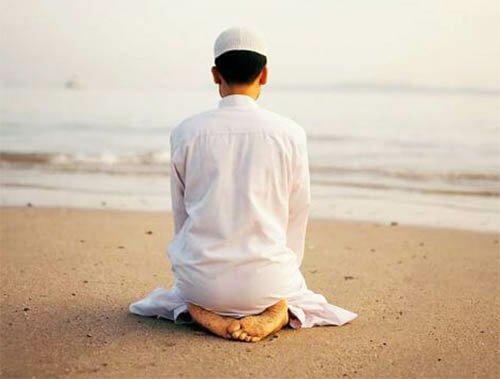 Doa Niat Waktu Tata Cara Manfaat Sholat Sunnah Hajat Dan Keajaibannya Mustajab