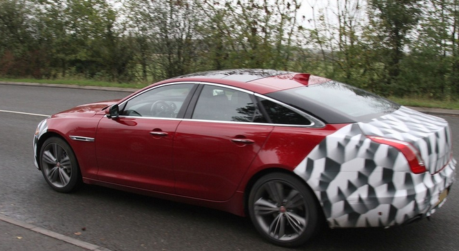 New 2015 Jaguar XJ Spy Shots & Facelift