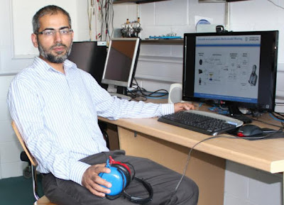 Pakistani Professor Develops 'Next-Gen' Hearing Aid That's Perfect for Noisy Environments