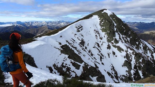 """Una mirada al Pico de la Calar """"techo"""" de la Sierra de Orpiñas"""