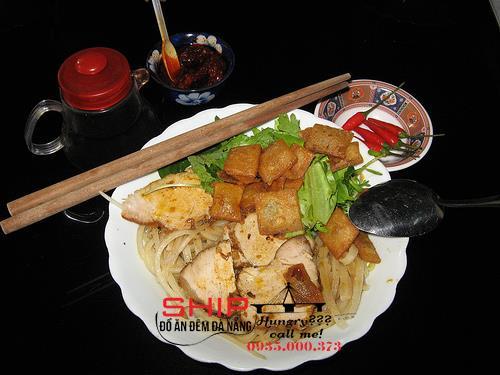 Cao lau - Ship do an Da Nang