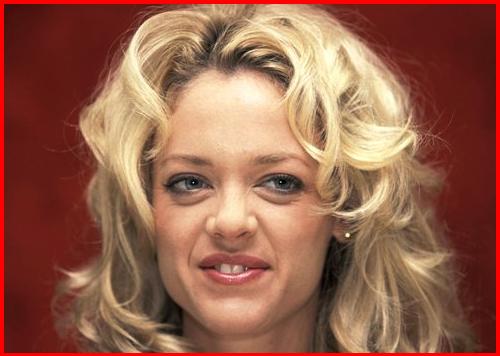 News Trend: Lisa Robin Kelly arrested