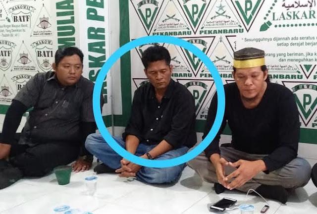 """Beruntung Diamankan FPI, Jony Boyok tak Jadi """"Bonyok"""" Lantaran Hina Ustadz Somad"""