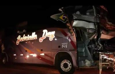 Ônibus Gabrielle Day acidente BR-153