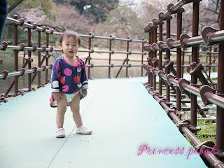 小石川後樂園之茉莉曬尿布