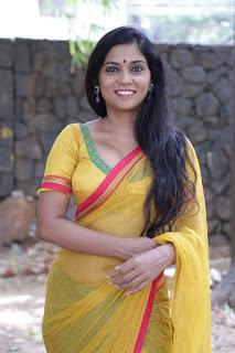 Usha Jadhav Transparent Saree Navel Navel Queens