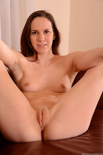 Lucie V - Euronudes - Photo Set 13 - Jun 02, 2014
