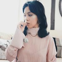 Ana Maddock- Victoria Beckham VB x Estée Lauder- Zexi Yu Meiqi Luo