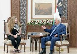 الرئيس الفلسطيني أبو مازن يستقبل عهد التميمي