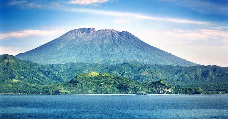 Daftar Nama Gunung di Indonesia Beserta Lokasi dan ...