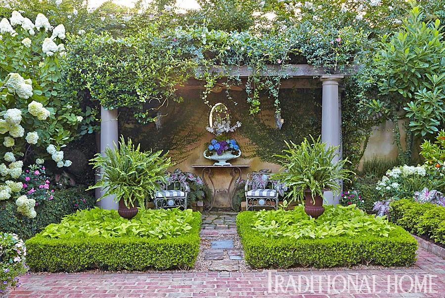 Detalhes do c u uma casa com um lindo jardim for Www traditionalhome com