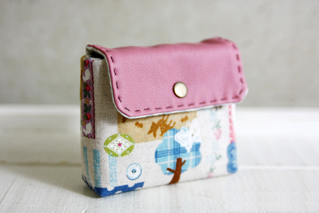 Cute Pink Business Card Holder / Purse Sew DIY Tutorial in Pictures.