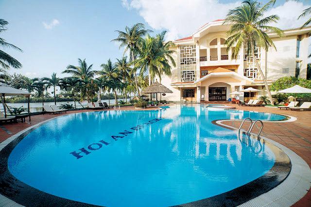 Hoi An Beach Resort (C) JUREBU
