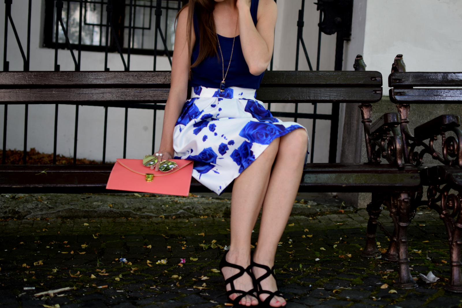 ako som si uvedomila, že svoju energiu investujem do nesprávnych činností // biela sukňa s modrými ružami