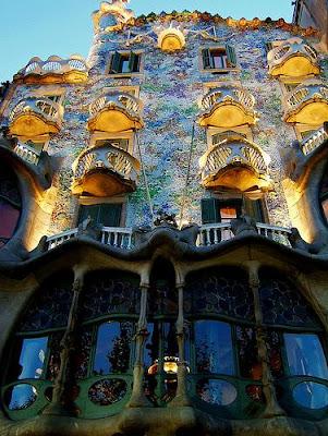 casa con fachada exótica