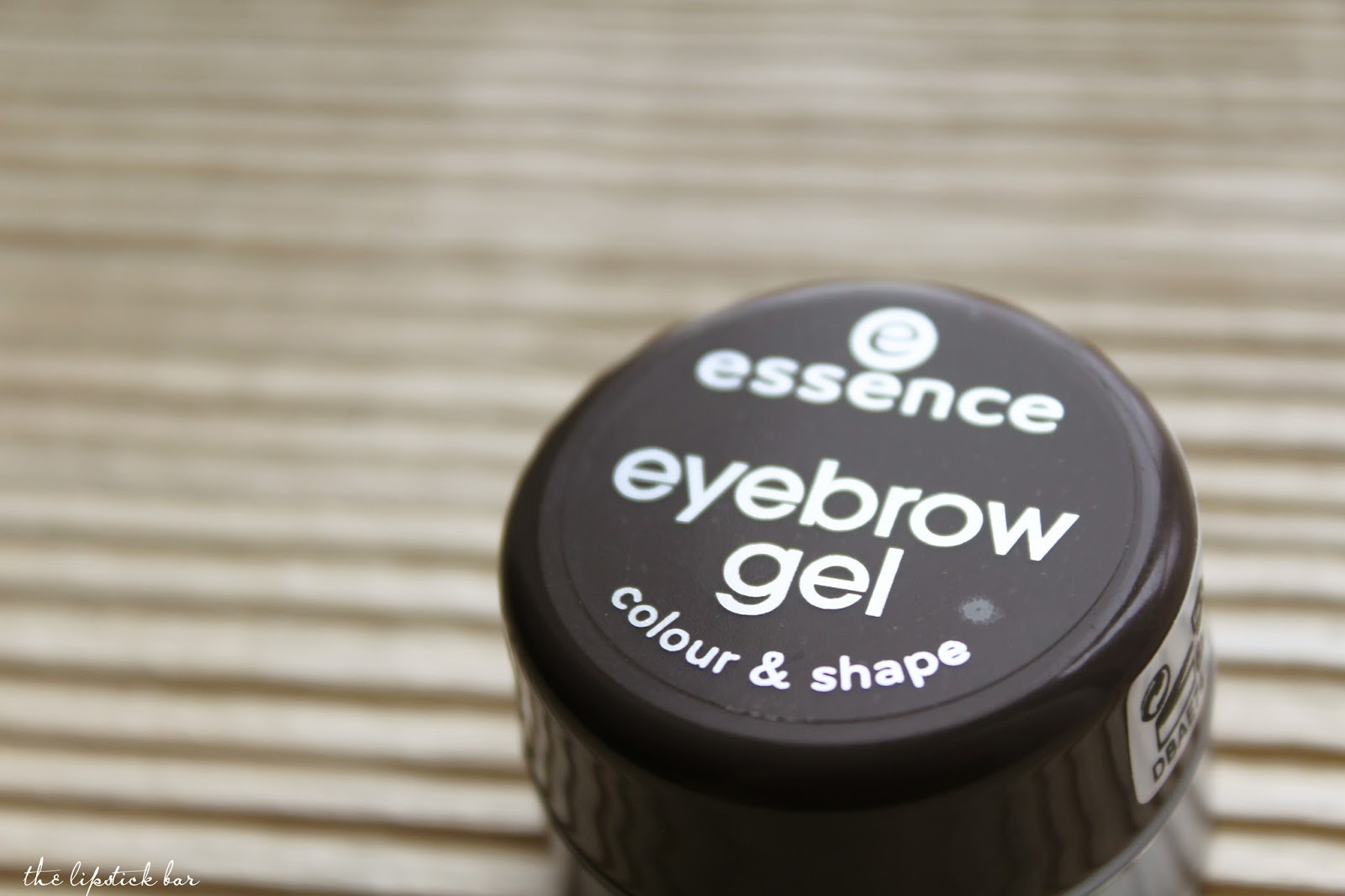 ESSENCE Eyebrow gel- 01 brown