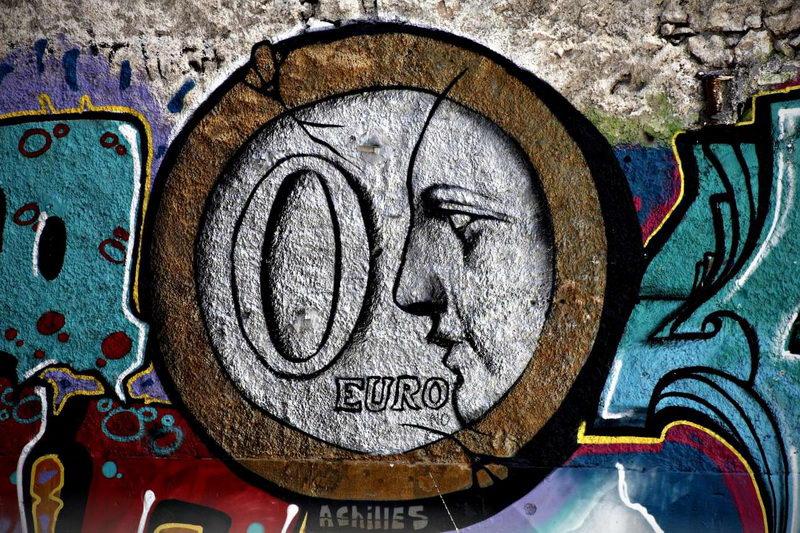 Τα 100 ευρώ και ο κυνισμός των ξετσίπωτων...