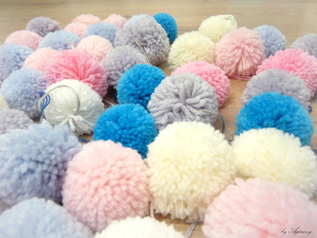 DIY: Pompony z włóczki