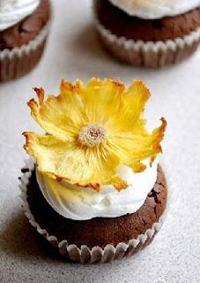 От цветов на которые смотрят к цветам которые едят, цветы, съедобные цветы, травы, съедобные травы, какие цветы можно есть, какие цветы нельзя есть, цветы в кулинарии, съедобный букет, какие цветы можно добавлять в еду, советы кулинарные, экзотическая кулинария, еда, кулинария, едят ли цветы, как есть цветы, рецепты из цветов, как добавлять цветы в еду,