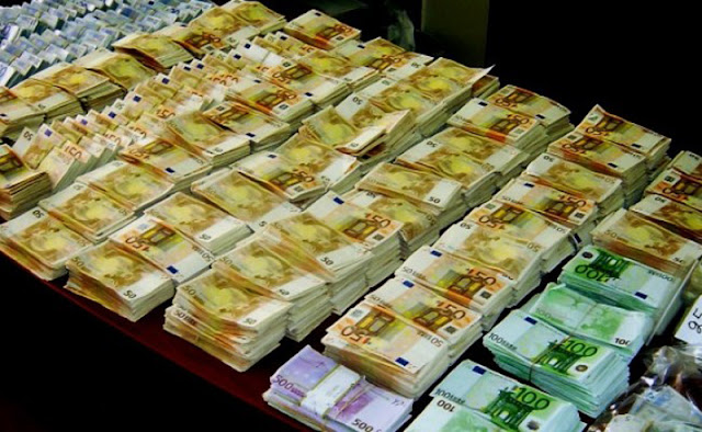 ΜΕΓΑ ΣΚΑΝΔΑΛΟ – Κρατηθείτε και δείτε οι τράπεζες πόσα χρήματα έχουν εντός Ελλάδας! [photos]