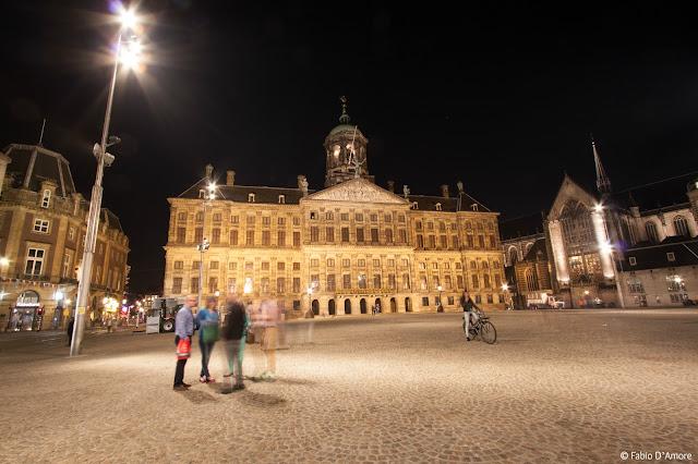 Piazza Dam di notte-Amsterdam