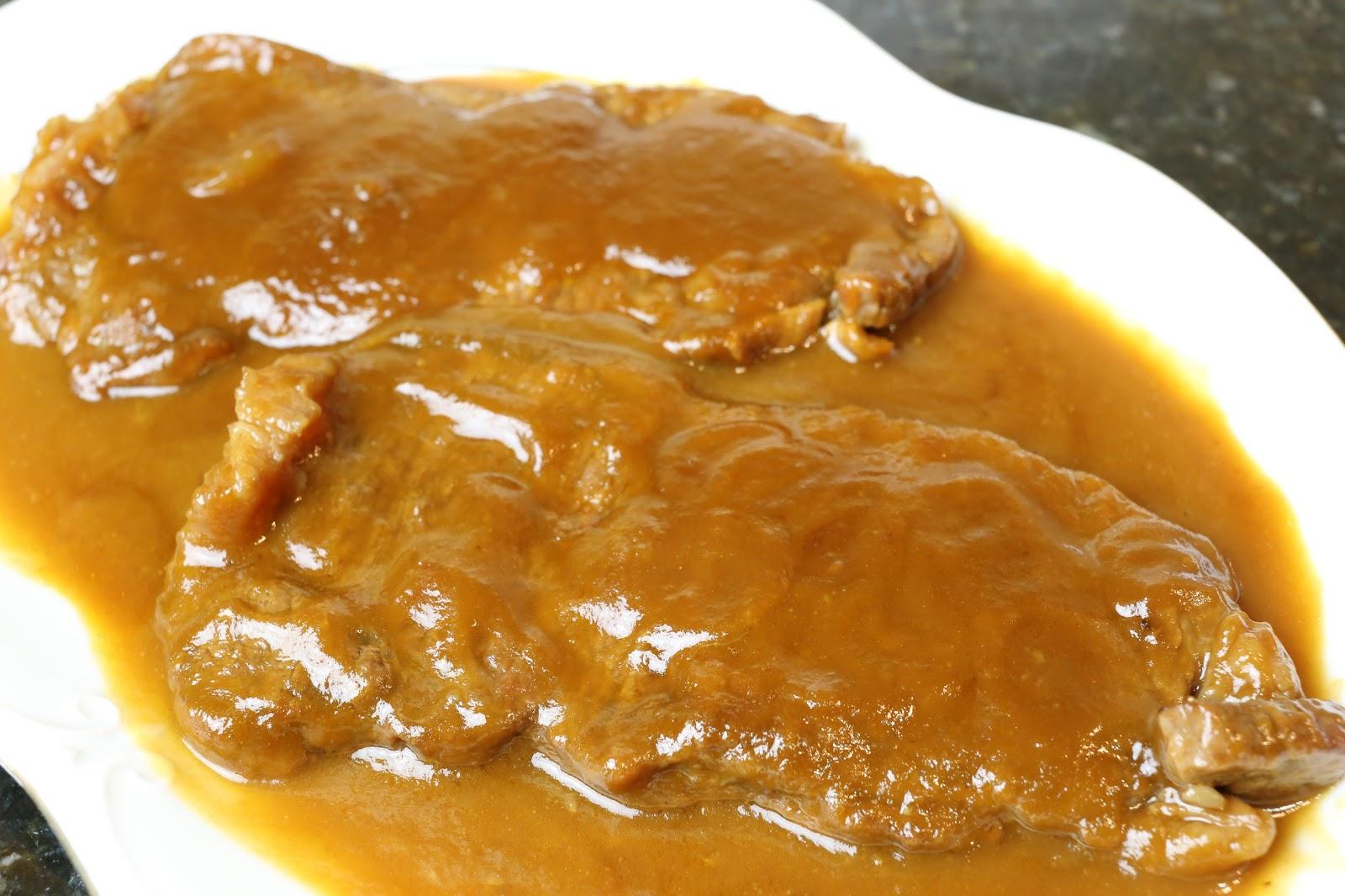 Cocina andaluza lomo de ternera en salsa for Cocinar filetes de ternera