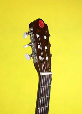 Đàn guitar bị rè, tẹt dây hoặc câm tếng