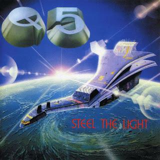 """Το τραγούδι των Q5 """"Steel The Light"""" από το ομότιτλο album"""