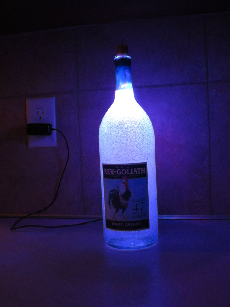 Cool Bottle Lamps and Creative Bottle Lighting Designs.