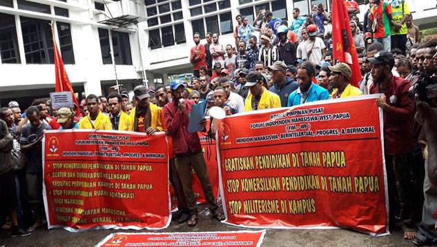 Ratusan Mahasiswa Tuntut Pemerintah Perhatikan Pendidikan di Papua