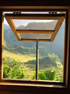 Small Window Hut