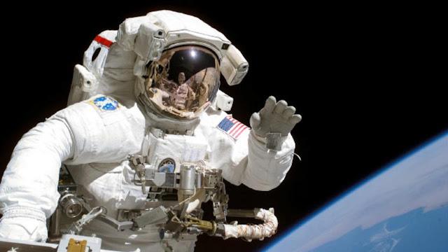 5 Rahasia Kehidupan Astronot di Luar Angkasa, Nomor 3 Menjijikkan