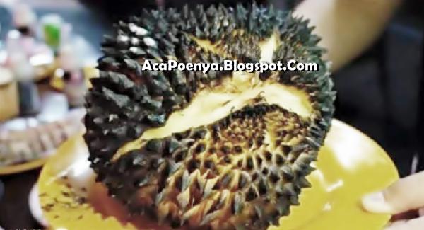 Lezatnya Durian Bakar