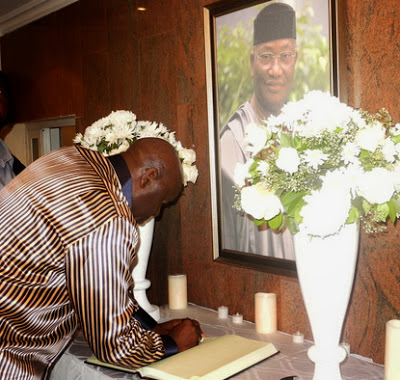 mike akhigbe's burial pictures