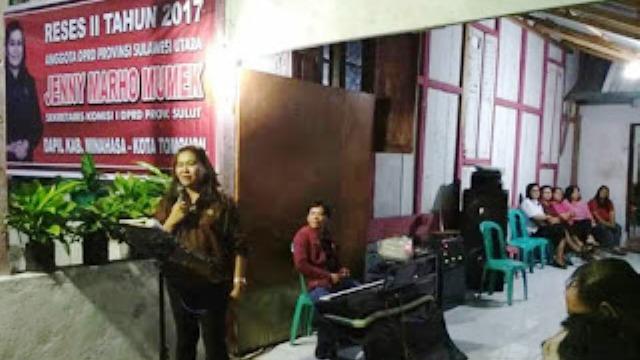 Anggota DPRD Sulut Jenny Mumek saat melaksanakan reses di Desa Remboken.