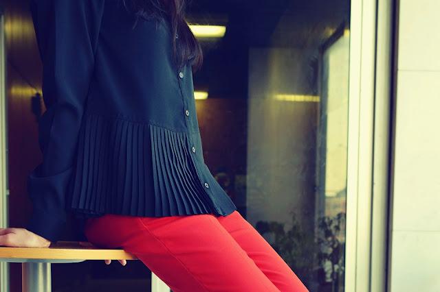 PLISOVANÁ BLÚZKA OD BONPRIXU_Katharine-fashion is beautiful_Plisovaná blúzka Bonprix_Kožená kabelka JEJ_Katarína Jakubčová_Fashion blogger