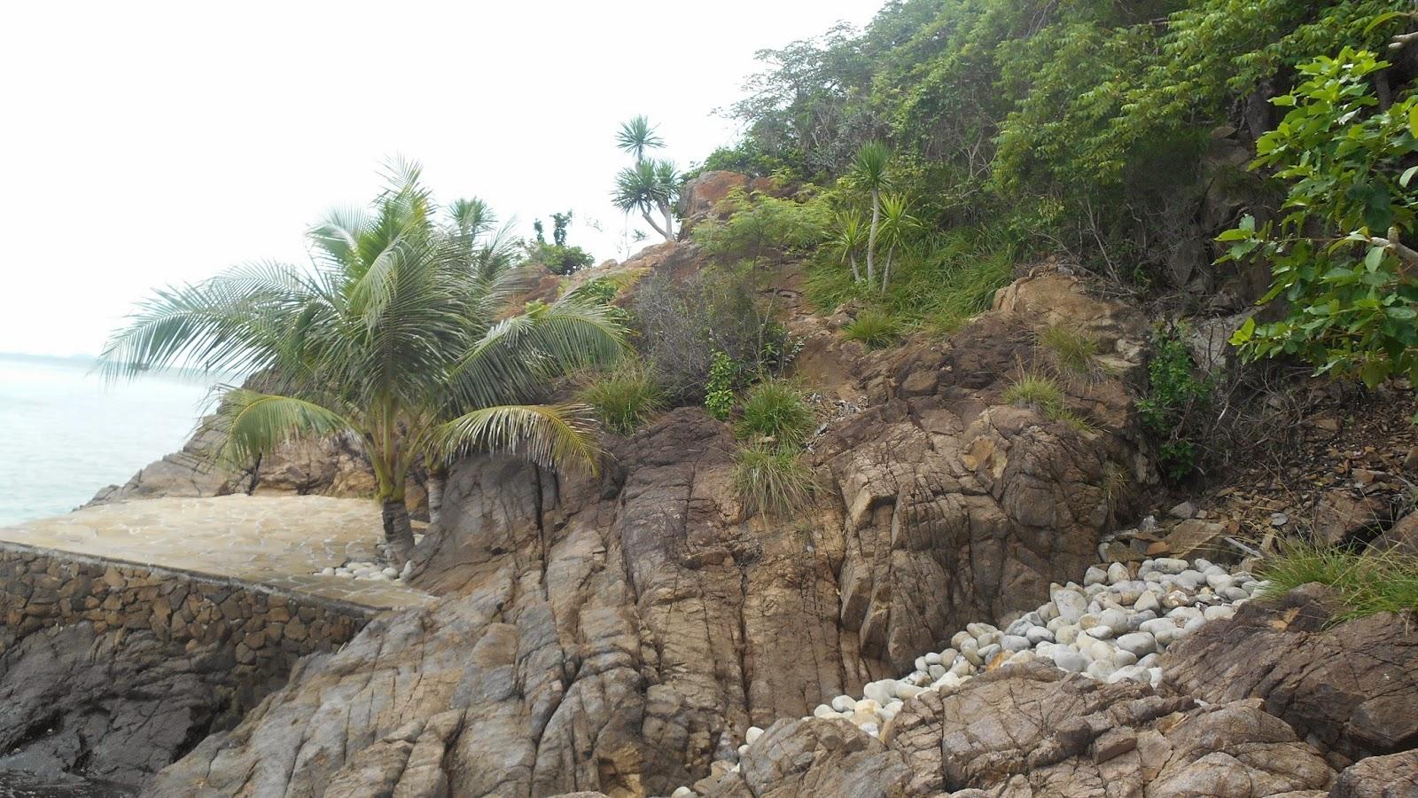 остров  Мун