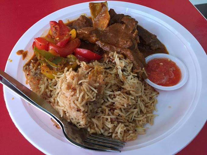 Singgah Makan di Tuuu...Dia Pak Tam di R&R Tapah Arah Selatan