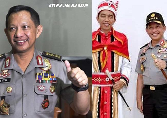Jokowi didesak pecat Tito Karnavian sebagai Kapolri karena telah mengadu domba ummat Islam.